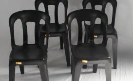 Cadeiras Pretas